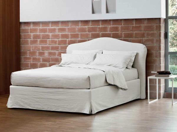 Come realizzare una bella testata per il letto in poco - Spalliera letto con cuscini ...