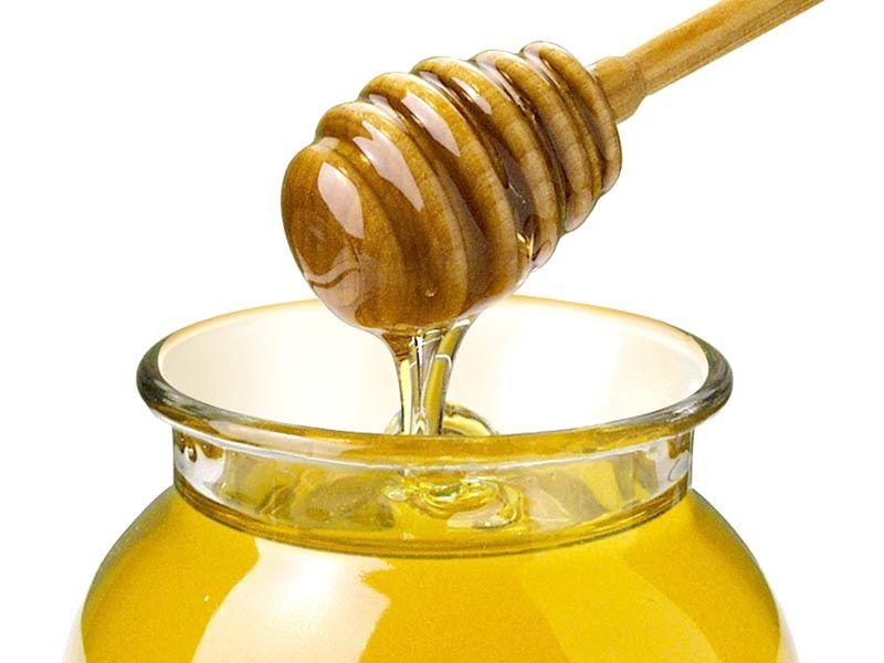 Tosse? Raffreddore? Il miele è meglio di una medicina, ecco perchè