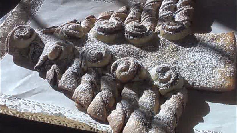 albero di natale in pan brioche