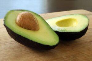 cuore colesterolo avocado