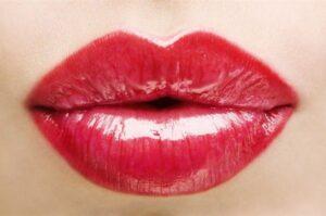 labbra-donna-rossetto_600x398