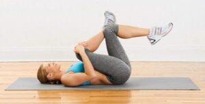 stretching-delle-gambe-per-la-sciatica