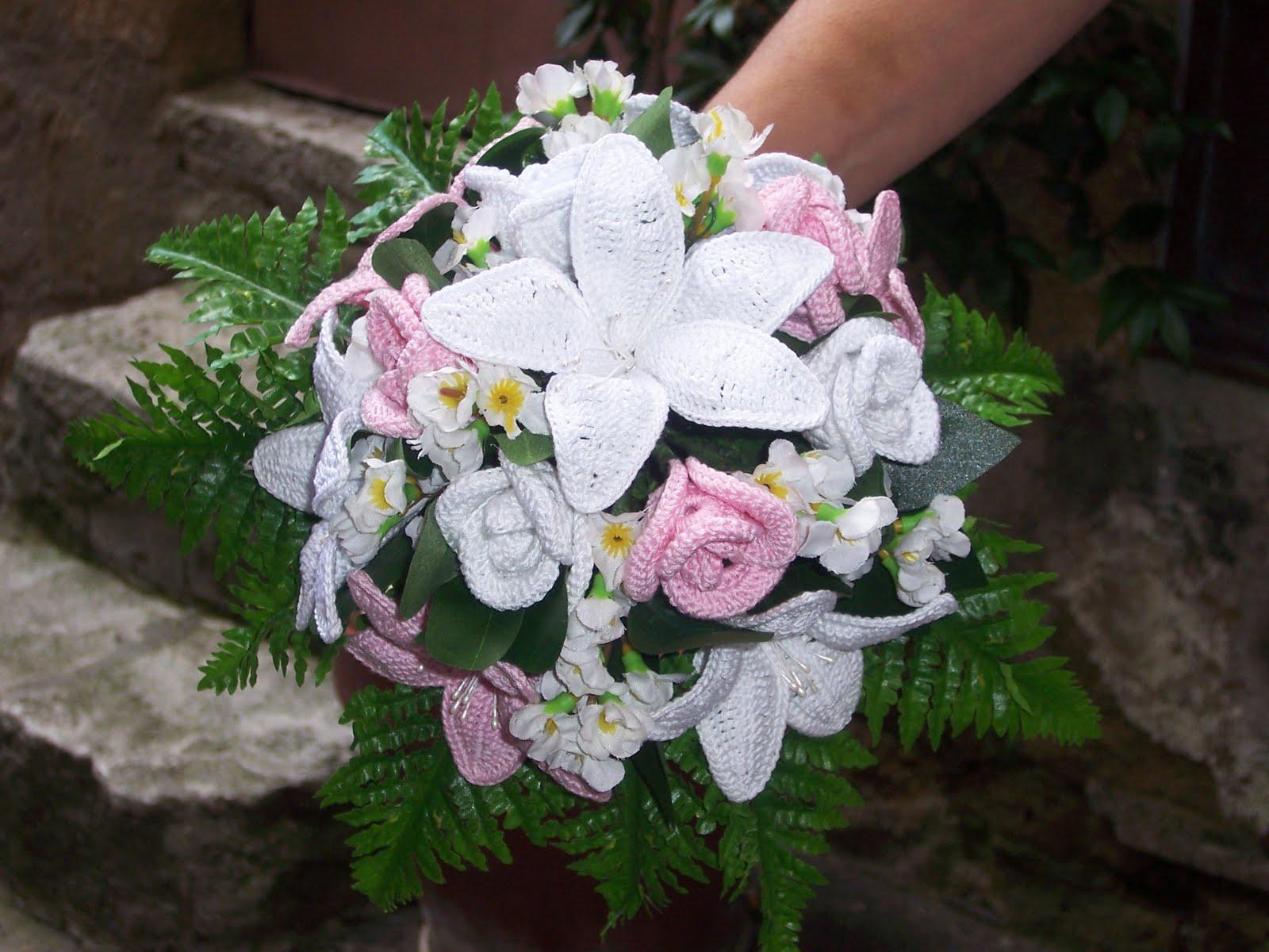 Bouquet Sposa Uncinetto.Come Realizzare Un Bellissimo Bouquet Di Rose All Uncinetto