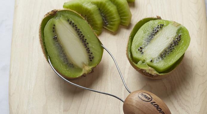 l_3368_utensili-da-cucina-per-sbucciare-kiwi