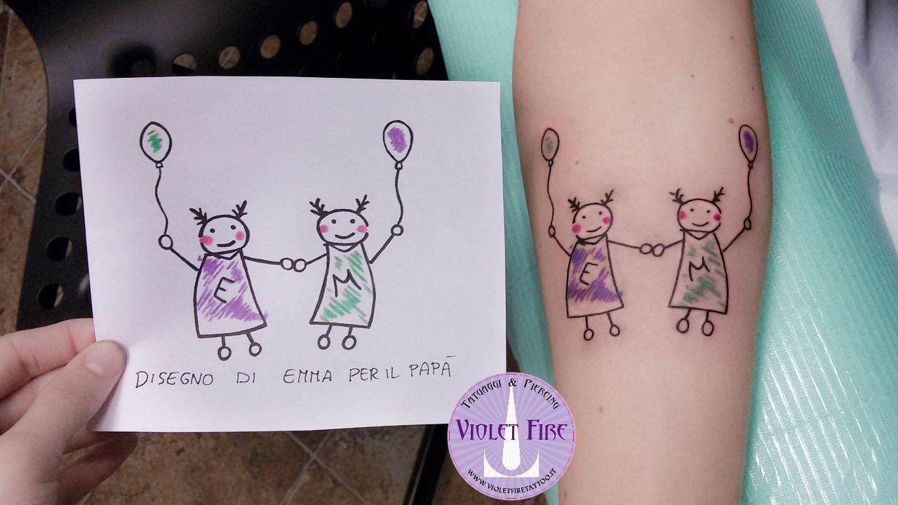 Tatuaggio-disegno-figlio-tatuaggio-bambini-tatuaggio-sorelline-tatuaggio-braccio-tatuaggio-colori-Violet-Fire-tattoo-Adam-Raia-Tatuaggi-Maranello
