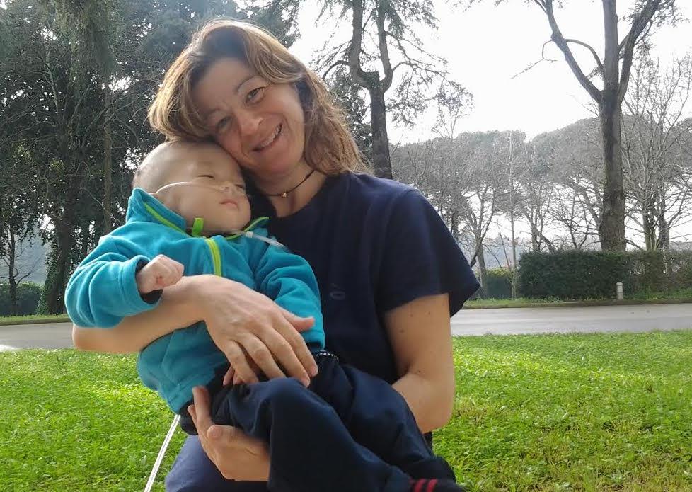 La donna più buona d'Italia, adottò un bambino malato terminale…La storia