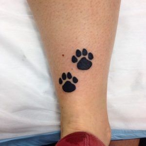 piccola-idea-per-un-tattoo-sulla-gamba