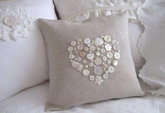 tante idee per realizzare meravigliosi e romantici cuscini in stile shabby chic. Black Bedroom Furniture Sets. Home Design Ideas