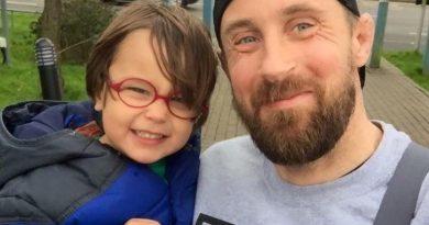 Dopo che suo figlio è morto, ha scritto 10 regole. Ogni genitore dovrebbe seguirle alla lettera