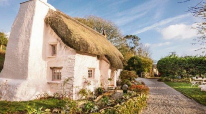 Questa casa del 1700 sembra una uscita da una fiaba, ma aspetta di vedere com'è dentro …