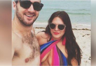 Ha pubblicato una foto di sua moglie in bikini: quello che ha detto sul suo corpo ha commosso migliaia di persone