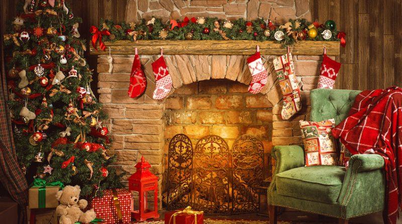 Tante idee natalizie per decorare il camino o il finto for Camino finto fai da te per natale