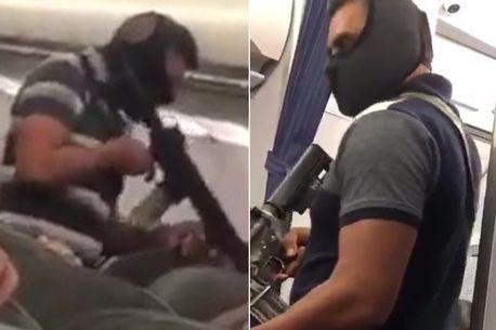 """Un """"terribile dirottamento aereo"""" viene ripreso in diretta – Il video terrificante diventa virale"""