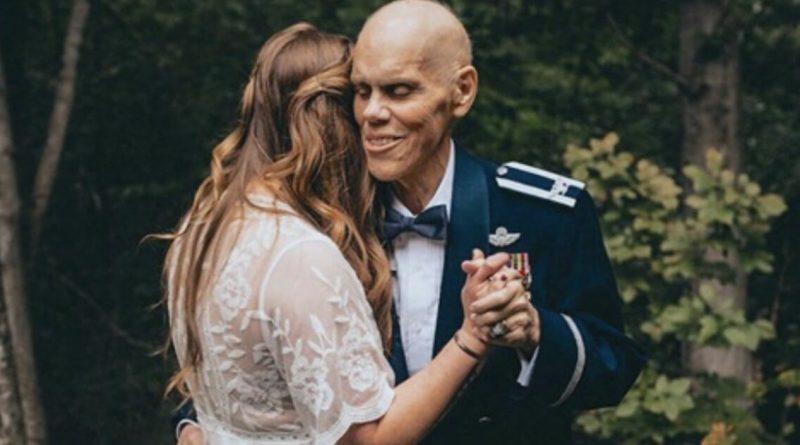 La donna annulla il servizio fotografico del matrimonio per condividere un momento speciale con il padre morente