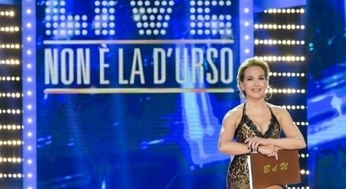 Live non è la D'Urso, mediaset annuncia la chiusura ma ad aprile ci saranno novità per la nota conduttrice